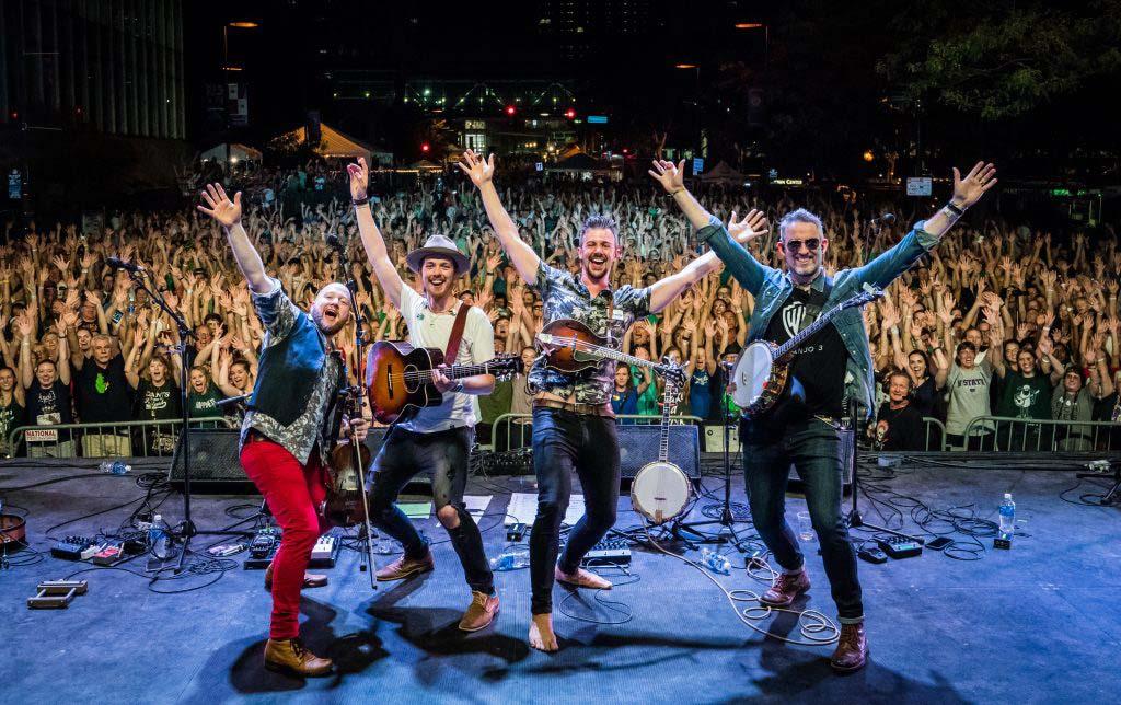 We Banjo 3 - live from Ireland
